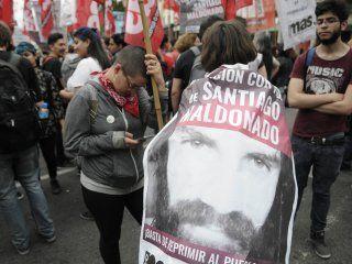 Unas 500 personas marcharon por las inmediaciones de la Plaza de Mayo