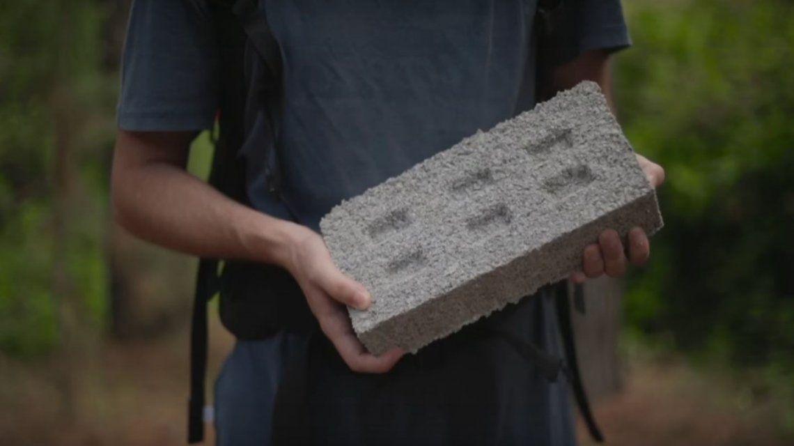 El ladrillo hecho a base de plástico reciclado