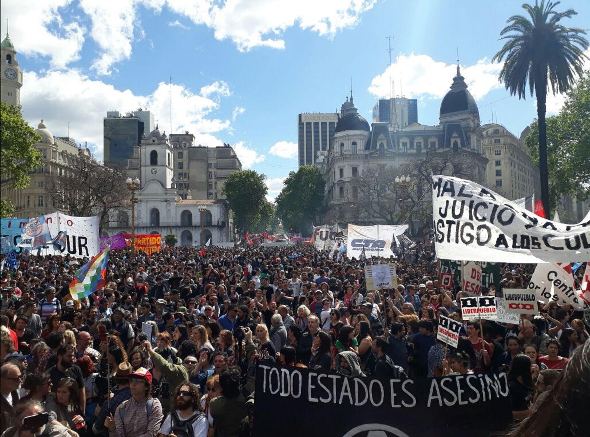 Marcha en Plaza de Mayo en reclamo de justicia por Santiago Maldonado