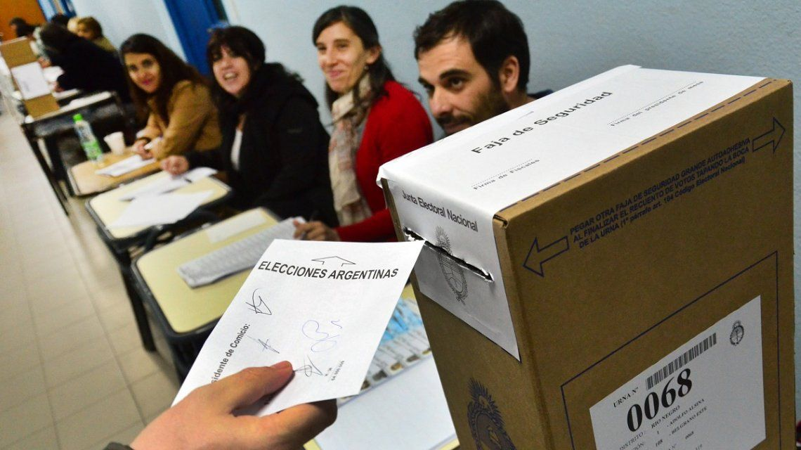 A poco del cierre, votó el 69 por ciento del padrón electoral