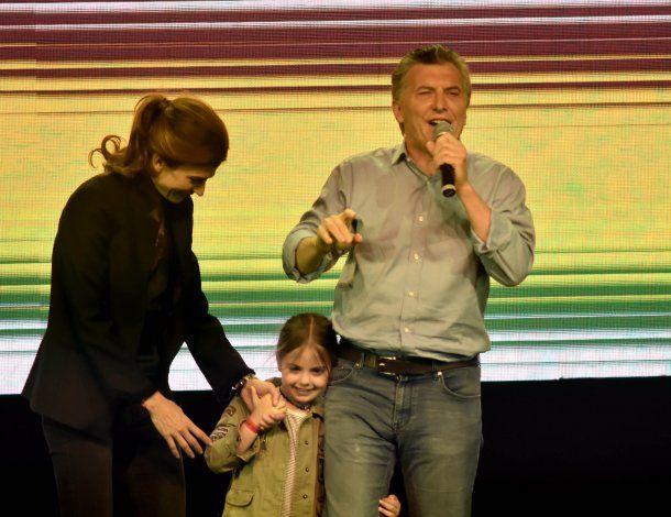 Mauricio Macri con Juliana Awada y Antonia Macri