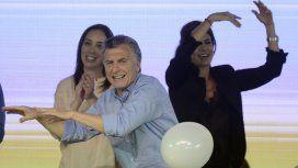 Mauricio Macri bailando