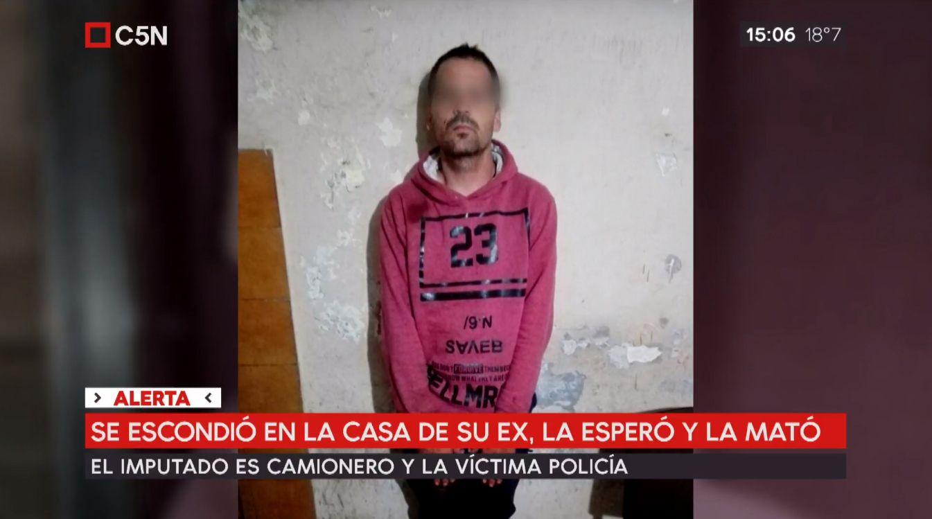 Se escondió en la casa de su ex, la esperó y cuando llegó la mató a puñaladas