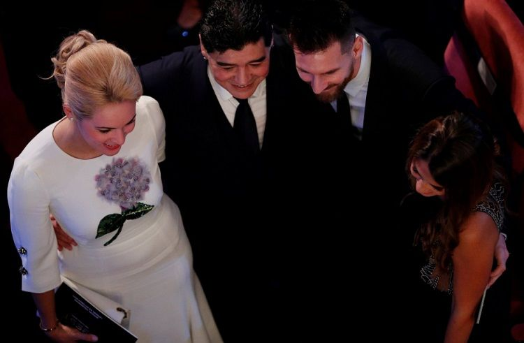 Felices los 4: el encuentro de Maradona y Messi junto a sus esposas en Londres