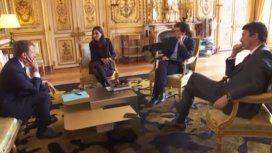 El perro de Macron orinó en plena reunión de gabinete y fue furor en las redes