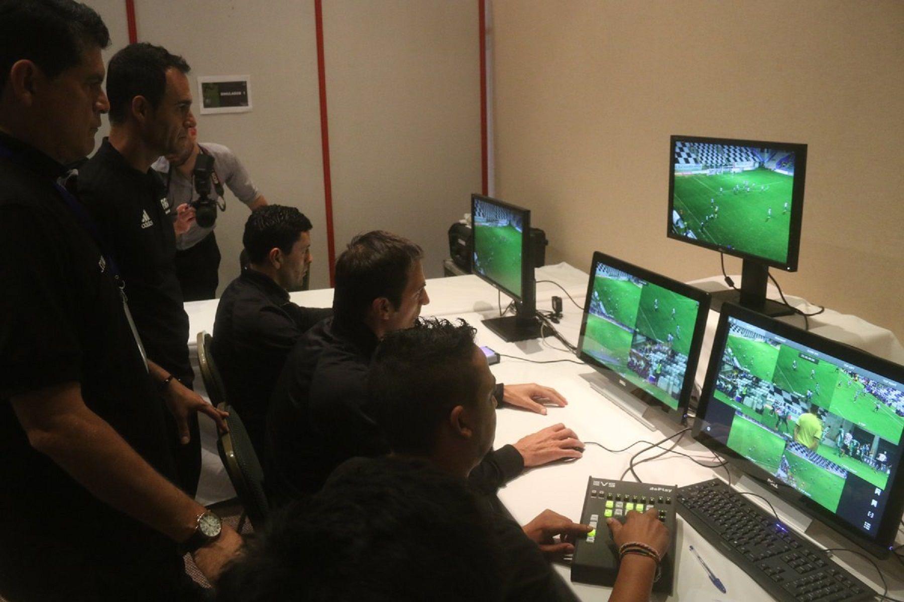 La tecnología en el fútbol sigue ganando enemigos