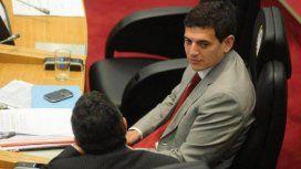 Filtran el video del legislador Guillermo Gassenbauer tomando cocaína