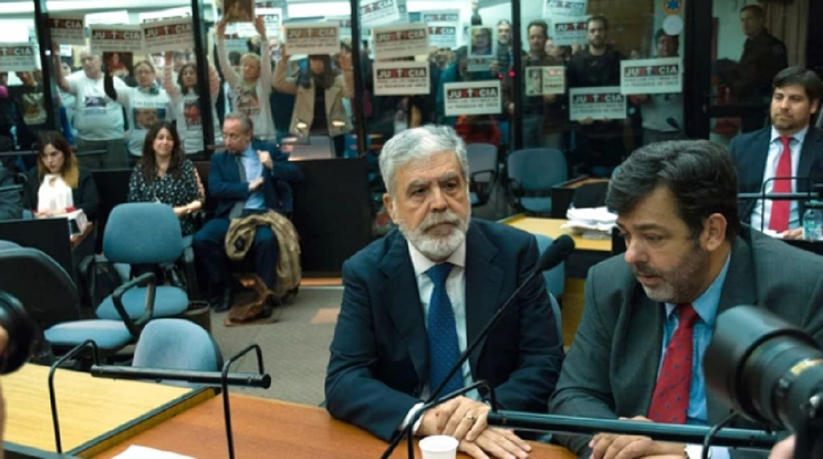 Empieza el juicio oral contra Julio De Vido y Ricardo Jaime por comprar trenes chatarra
