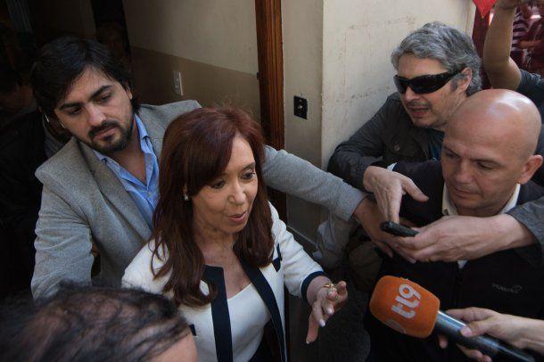 Cristina Kirchner salió antes de las 10 de su casa, rumbo a los tribunales de Comodoro Py