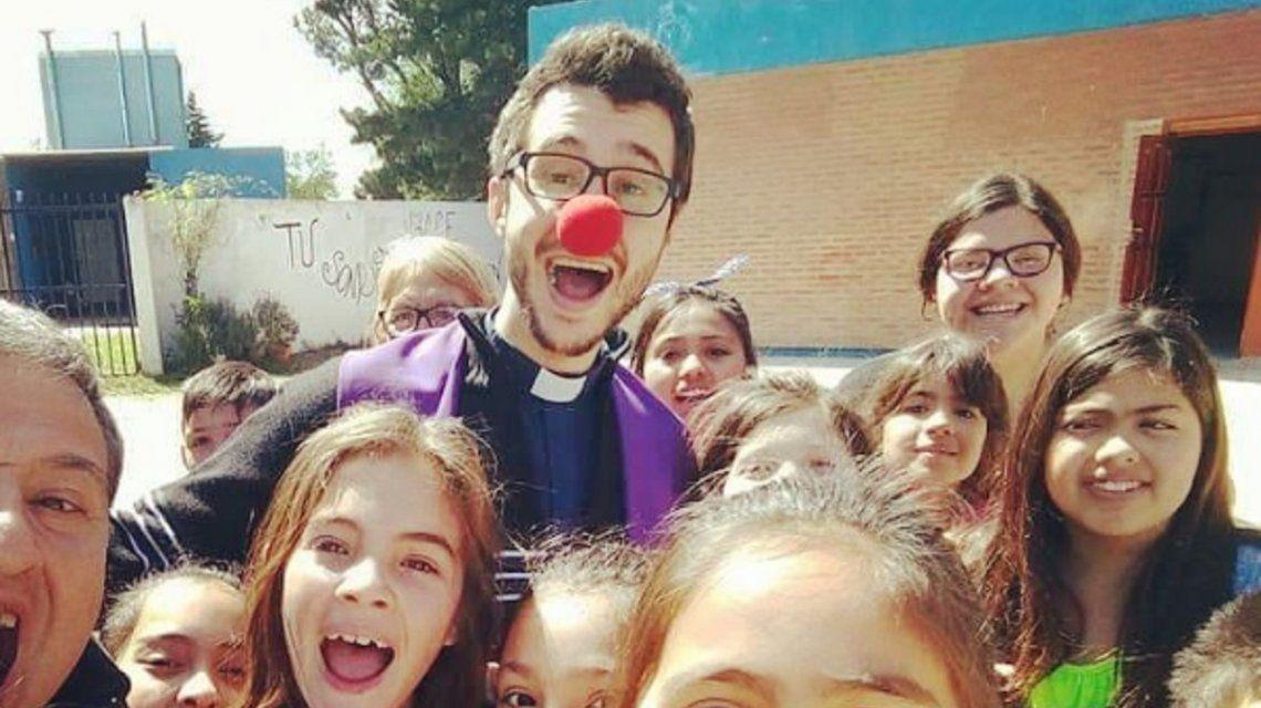 Córdoba: ¿quién es el Paya cura  que es furor en Instagram?