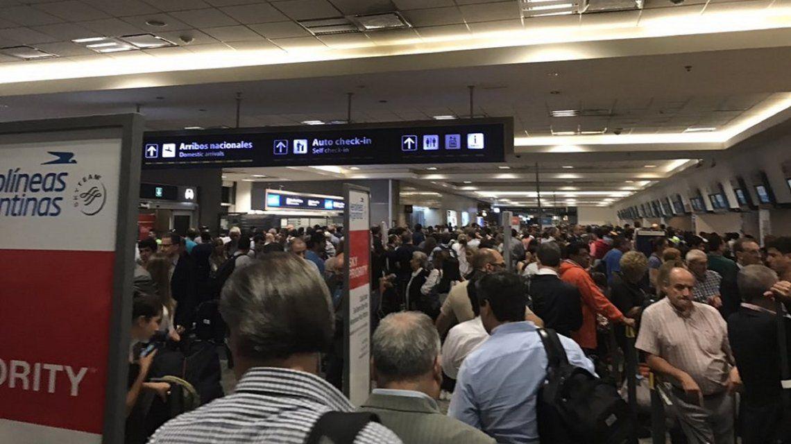Interrogatorios: el nuevo requisito para poder volar a Estados Unidos