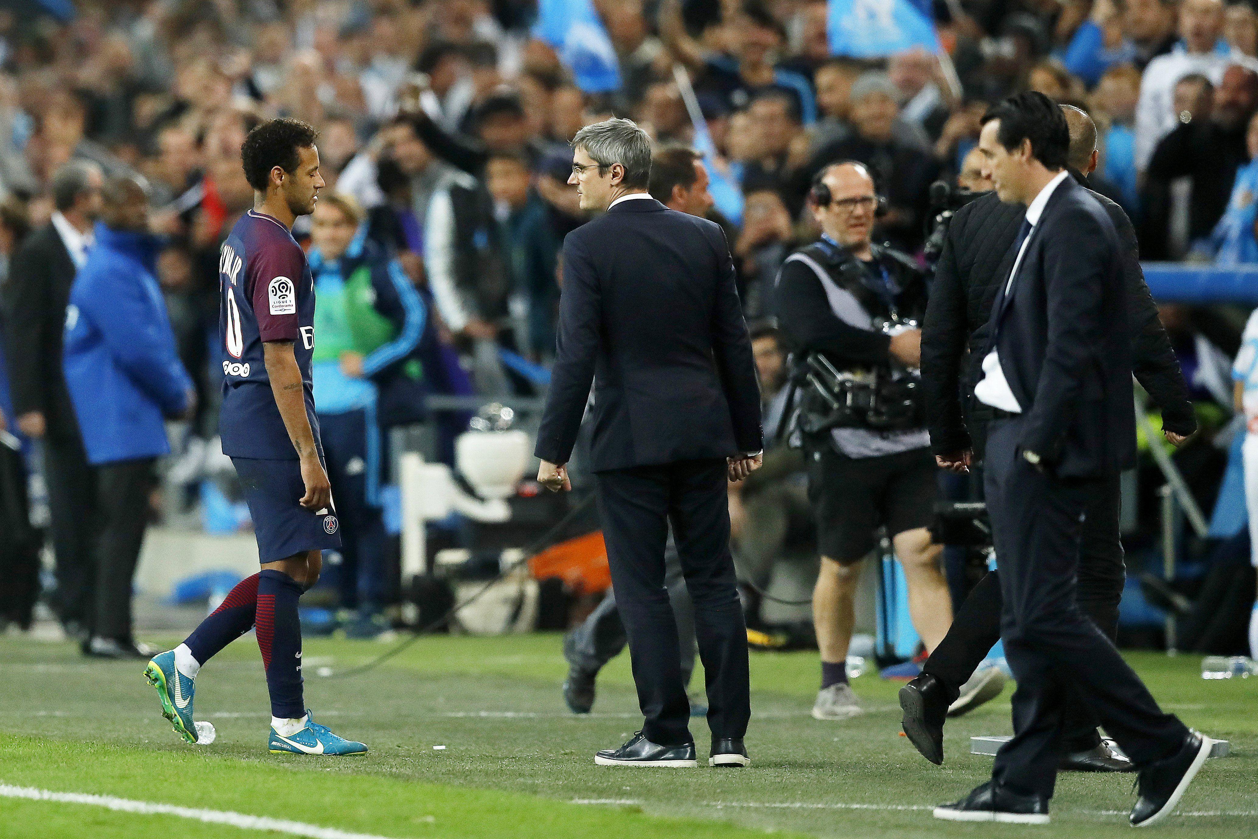 Christopher Dugarry, durísimo con Neymar: Es totalmente inútil