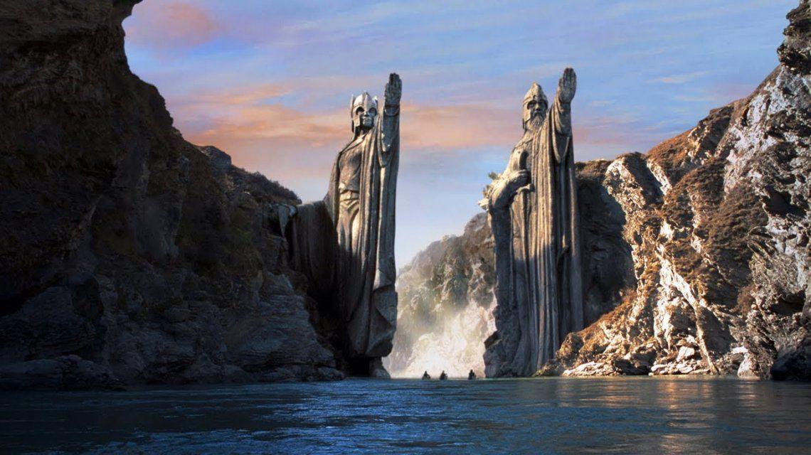 Argonath de El Señor de los Anillos: la comunidad del anillo