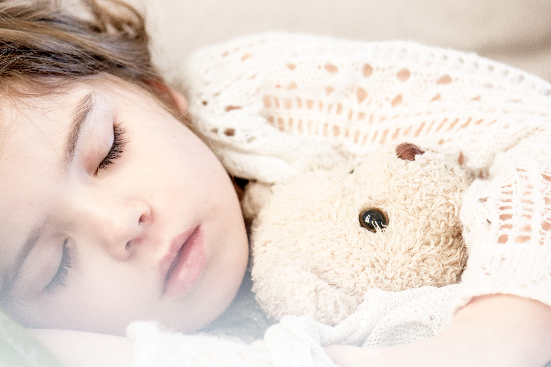 Estos son los 5 consejos para dormir como un bebé