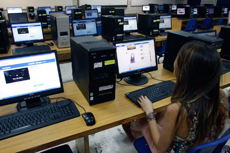 Advierten que hay 120 mil cuentas de Facebook en el país de acosadores de chicos