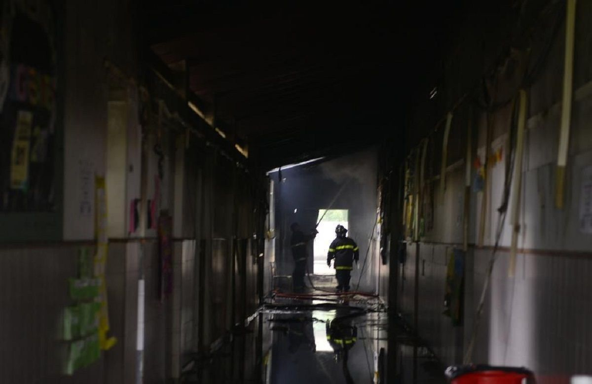 El incendio se registró en la mañana del domingo