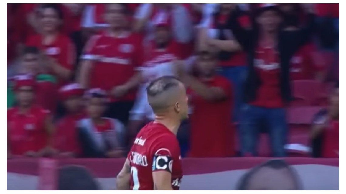 El capitán y emblema del equipo de Porto Alegre
