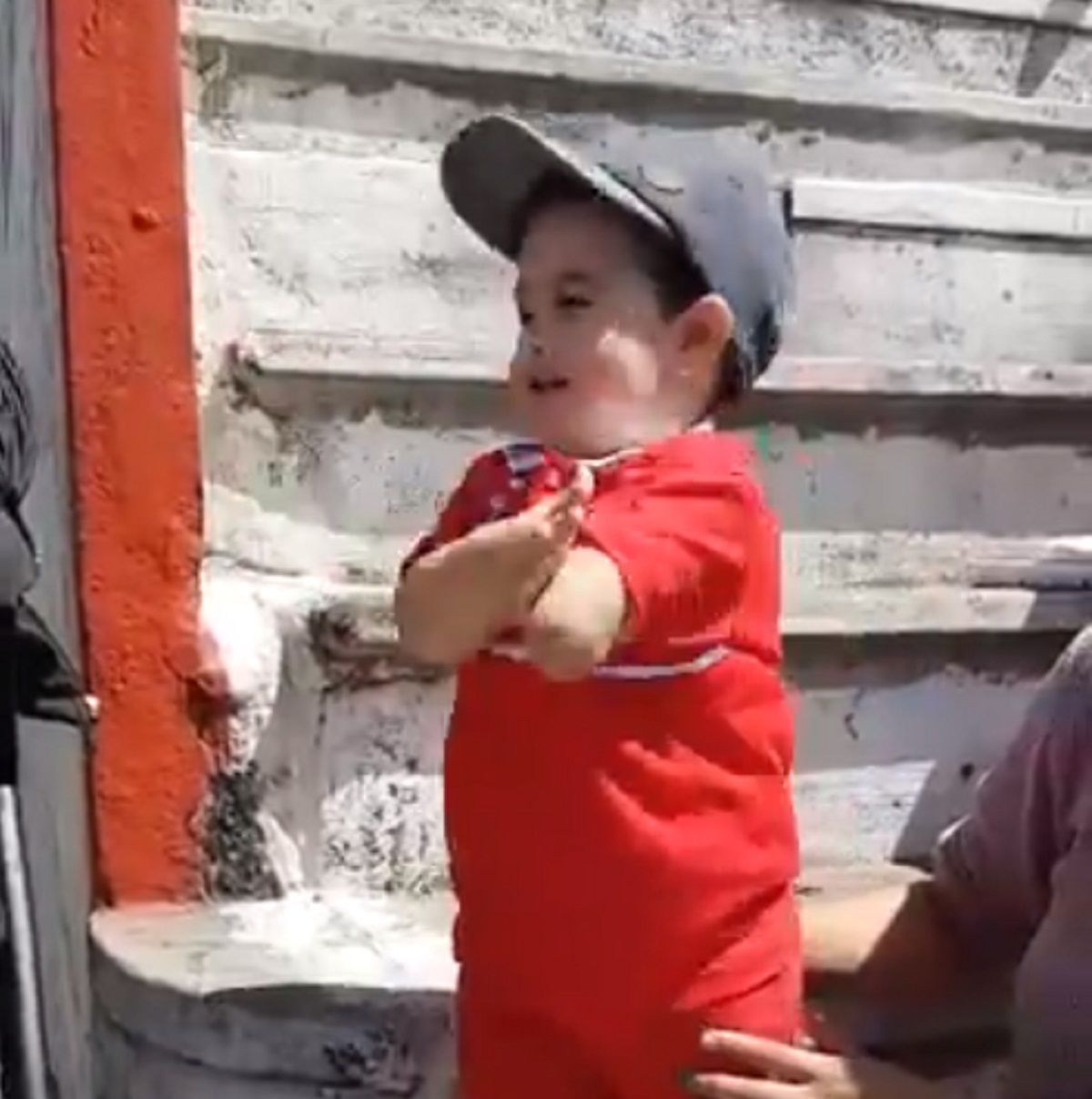 Mateo demuestra desde pequeño su amor por el Globo