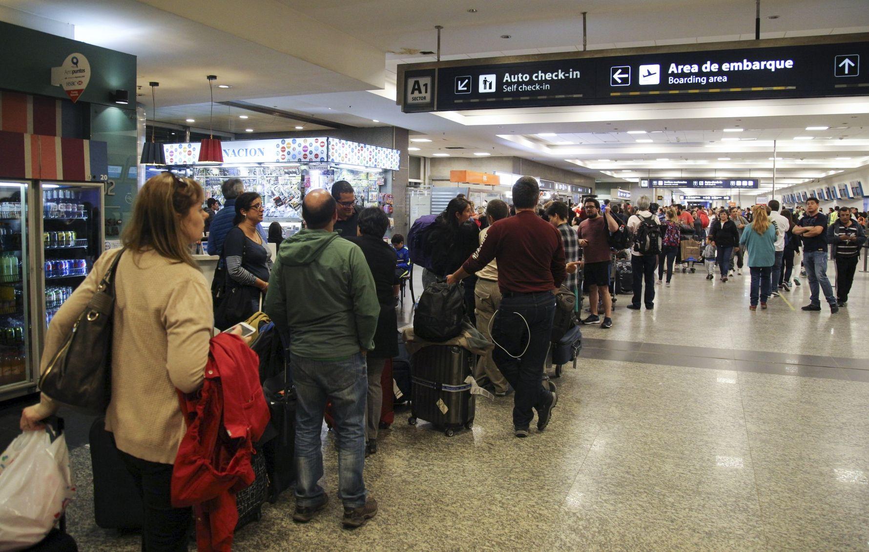 Paro de Aerolíneas Argentinas y Austral: qué hacer si tenés un pasaje para hoy