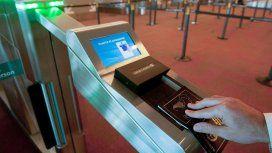 Pasaporte argentino en Migraciones.