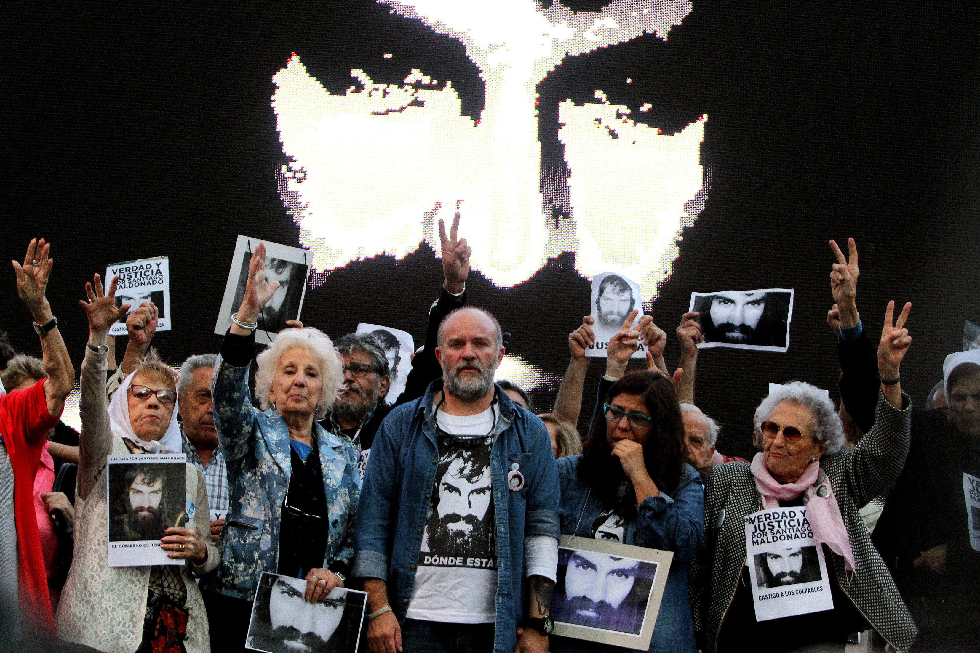 Multitudinaria marcha para reclamar justicia