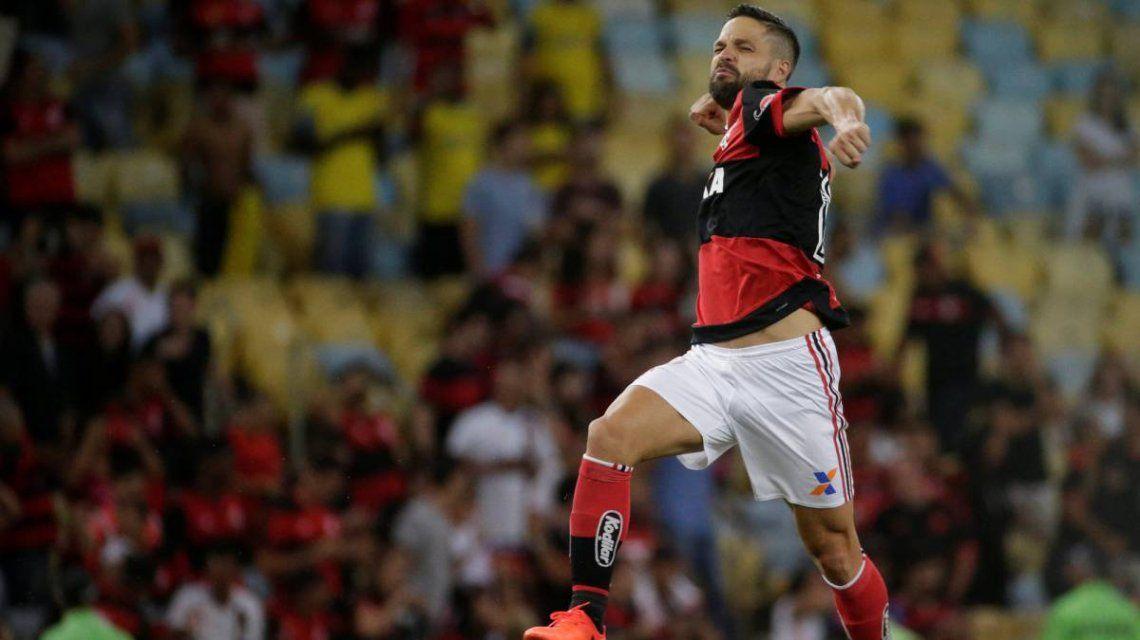 Diego Ribas celebra un gol para el Flamengo