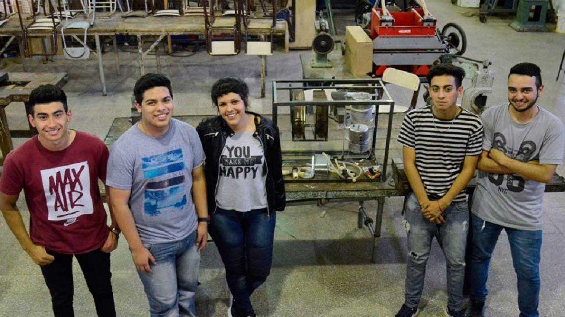 Orgullo argentino: crean la primera máquina expendedora de agua, yerba y azúcar
