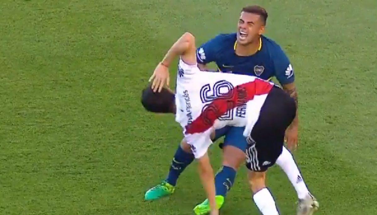 ¡Cárcel para uno! El brutal planchazo de Nacho Fernández que terminó en gol de Boca