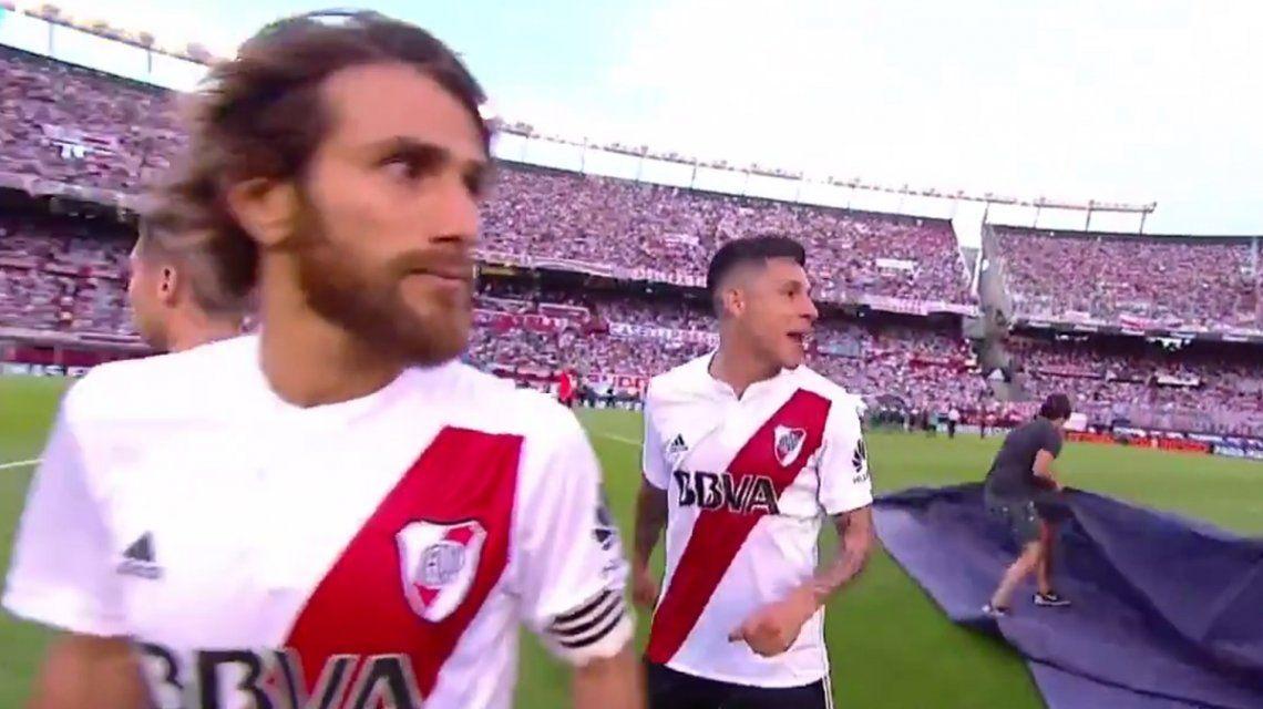 Enzo Pérez y Leo Ponzio explotaron de bronca contra los árbitros: Inventaron el VAR