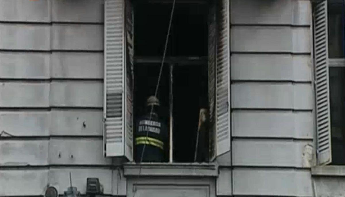 Incendio en un edificio de Corrientes al 2200