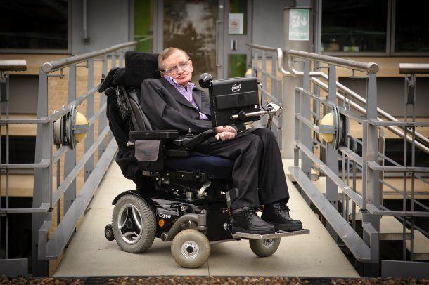 <p>Stephen Hawking vaticinó que la tierra se convertirá en una bola de fuego </p><p></p><p></p>