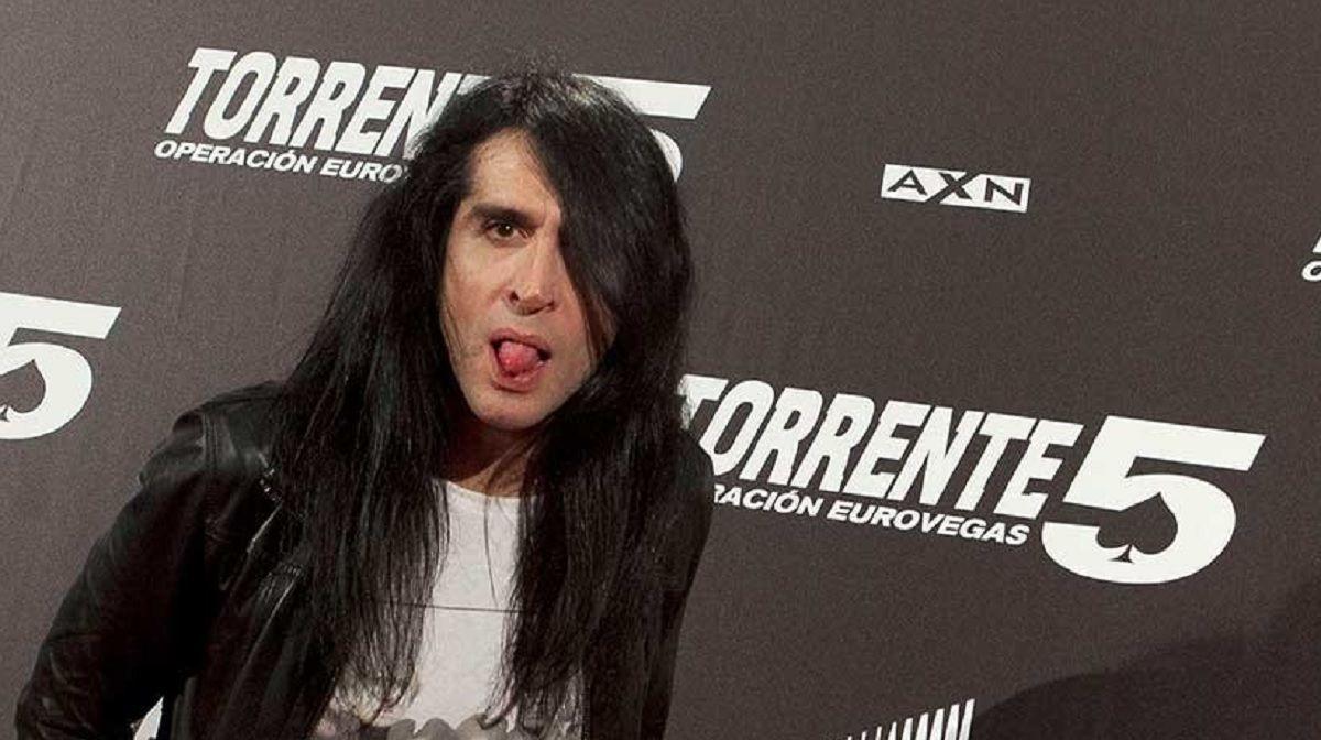 El cantante Mario Vaquerizo tildó de tontas a las mujeres que sufrieron abusos