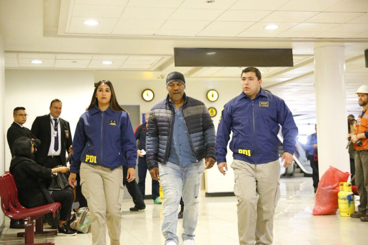 Las autoridades chilenas le impidieron a Tyson el ingreso al país