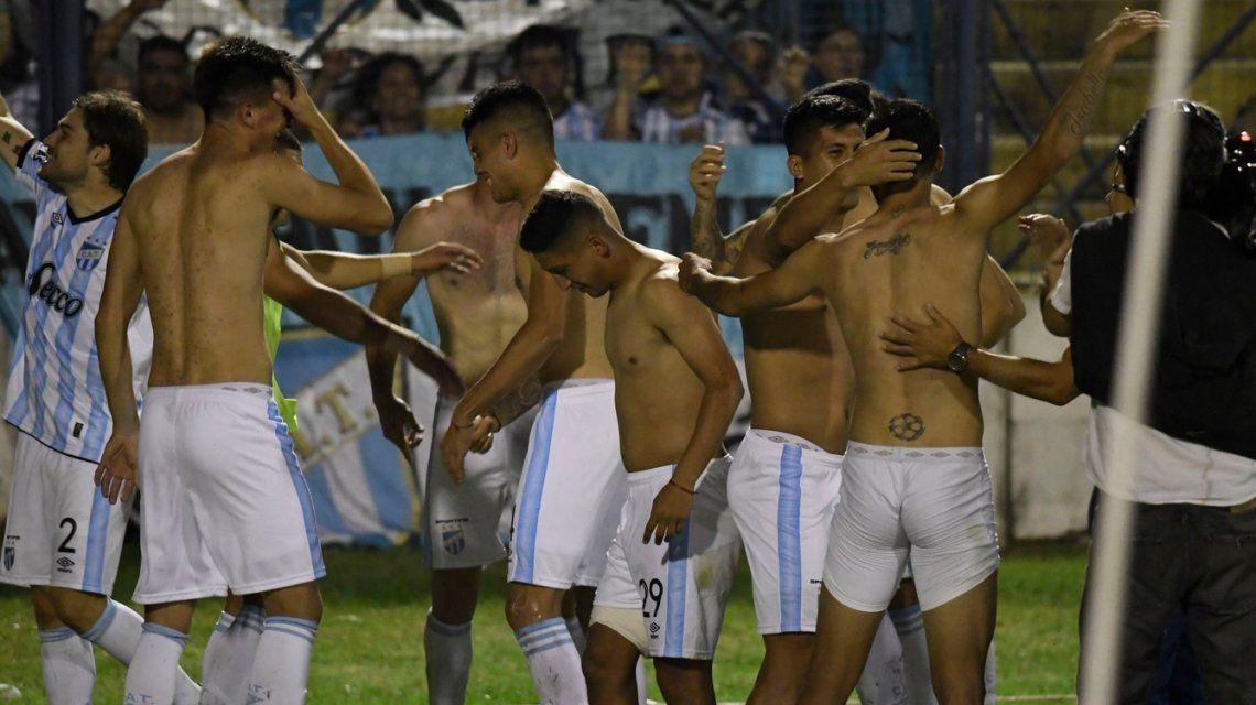 Atlético Tucumán le pone un broche de oro a su mejor año de su historia llegando a la final de la Copa Argentina y logrando la clasificación