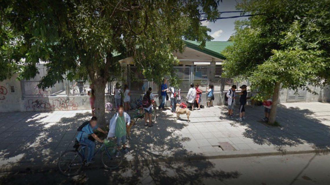 La portera retó a un alumno y los padres la golpearon