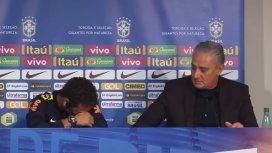 VIDEO: Neymar fue defendido por su DT y se largó a llorar en plena conferencia