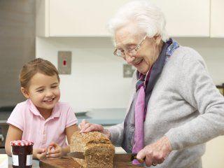 ¿Por qué este domingo se celebra el Día de la Abuela?