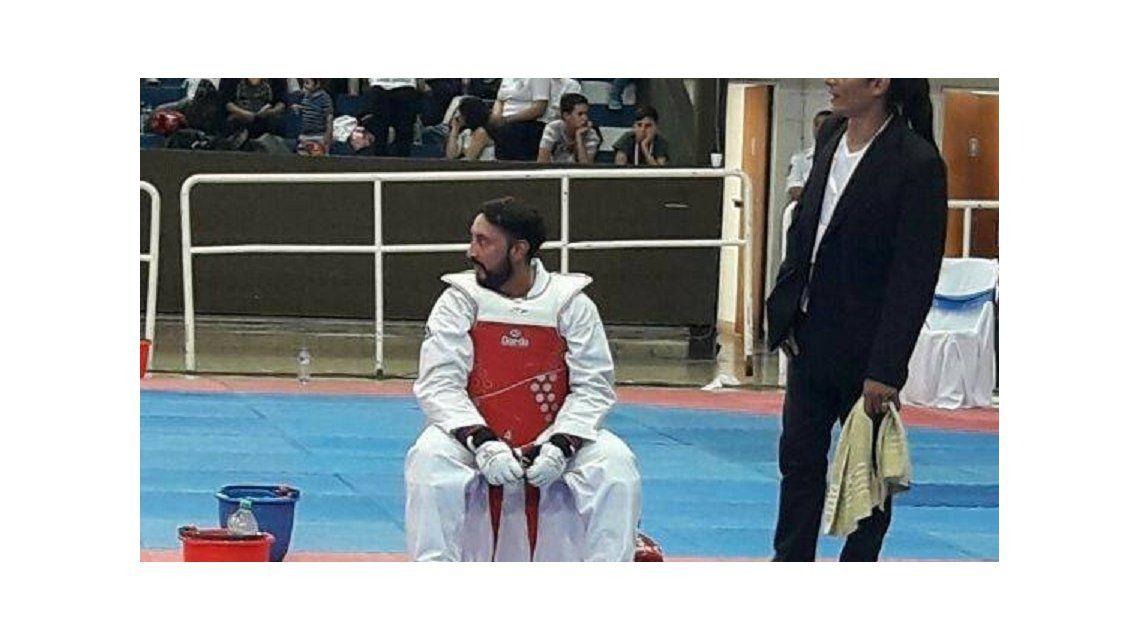 Javier Almandozquiere vender su riñón. Imagen de Facebook.