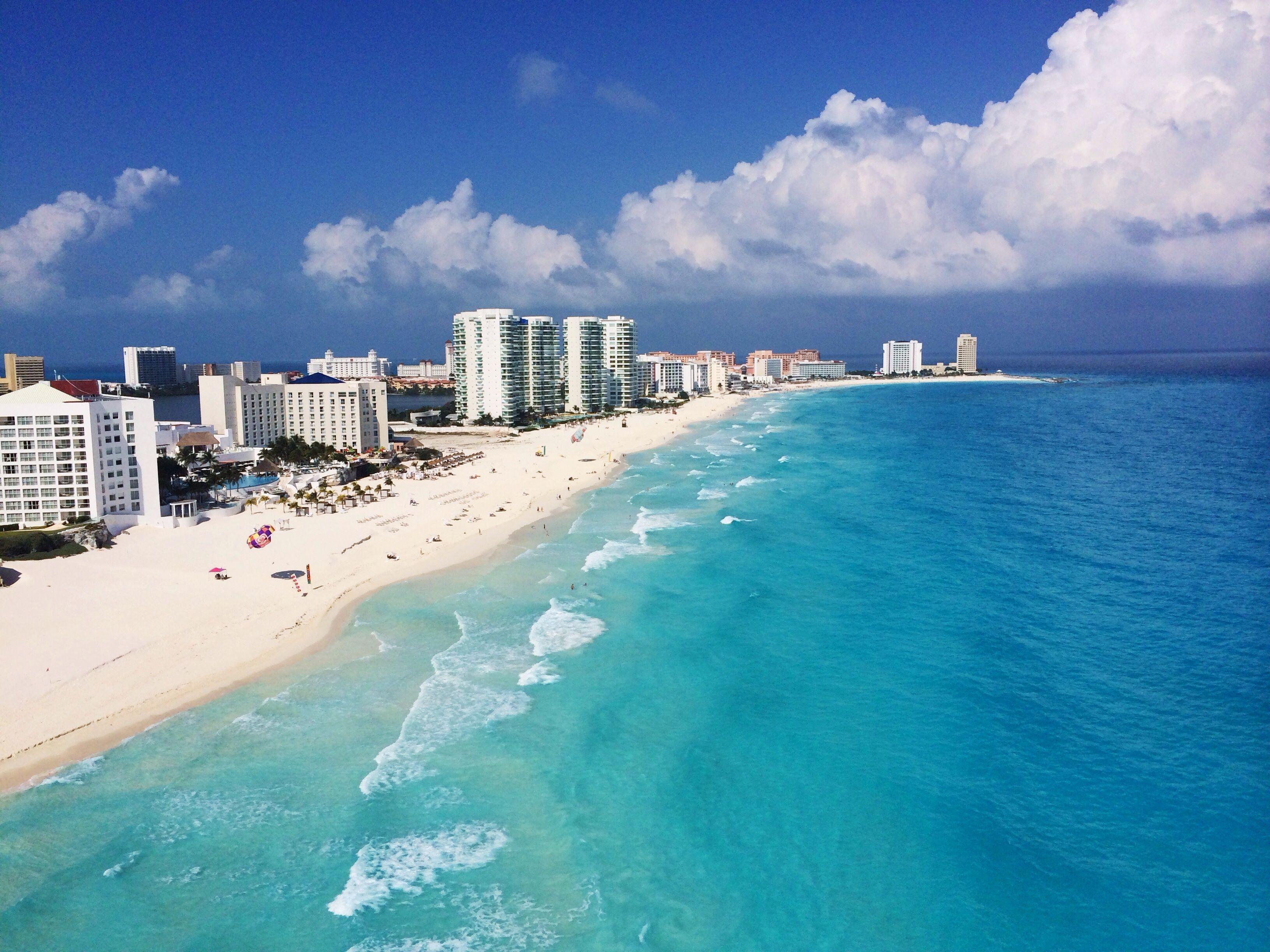 El mejor trabajo del mundo: 10 mil dólares por mes por vivir de vacaciones