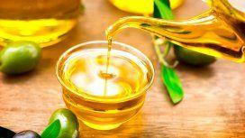 Prohíben el uso y venta de un aceite de oliva trucho