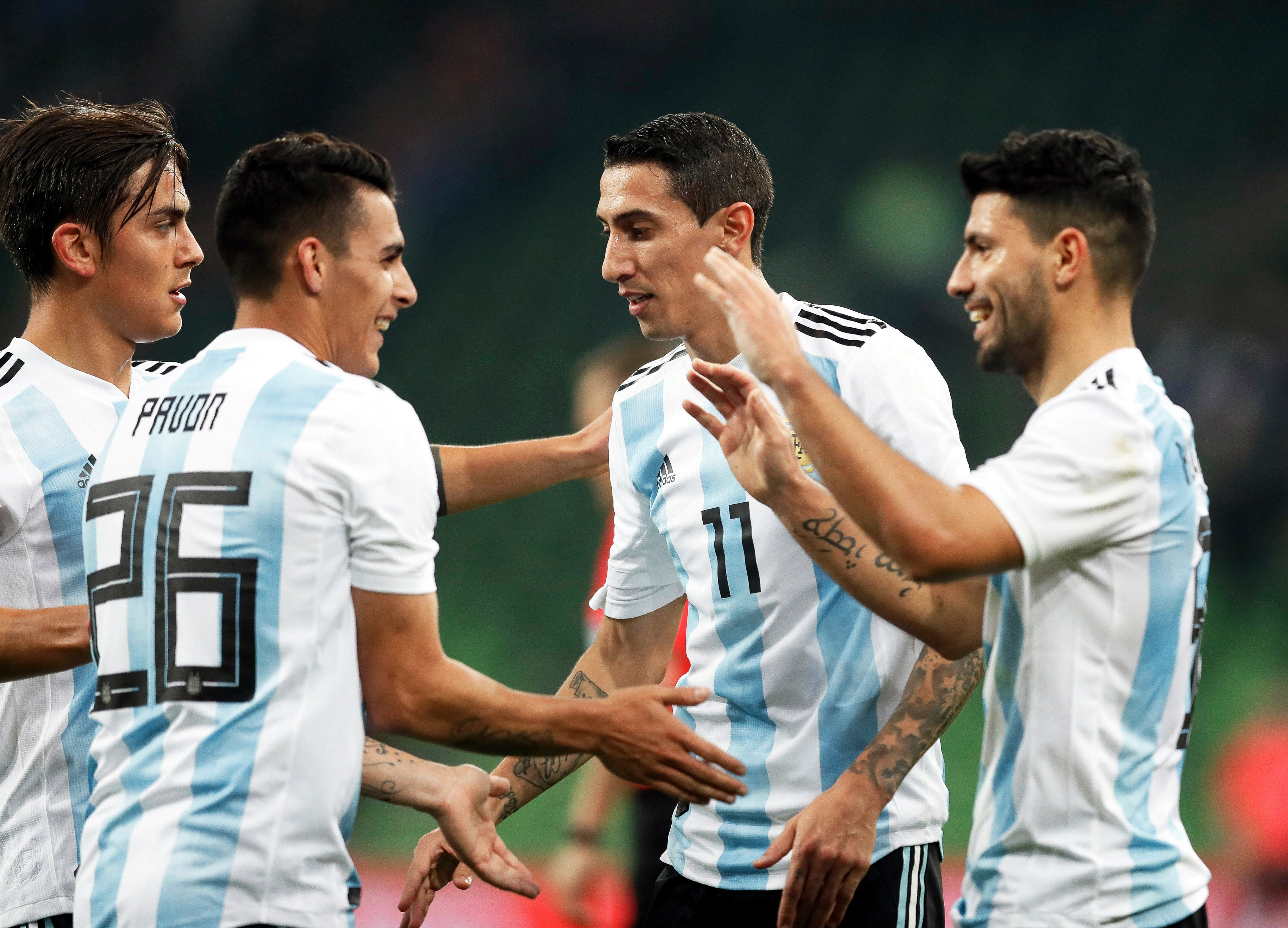 El Kun Agüero superó a Crespo y es el tercer goleador histórico de la Selección