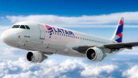 Demoras y posibles cancelaciones en Aeroparque y Ezeiza por un reclamo de Latam