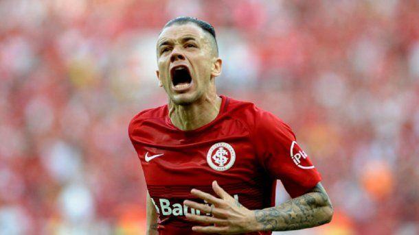 El grito del 10, ídolo en Porto Alegre