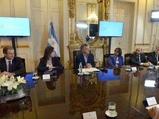 gano macri: acordo con los gobernadores y habra cambios en los impuestos