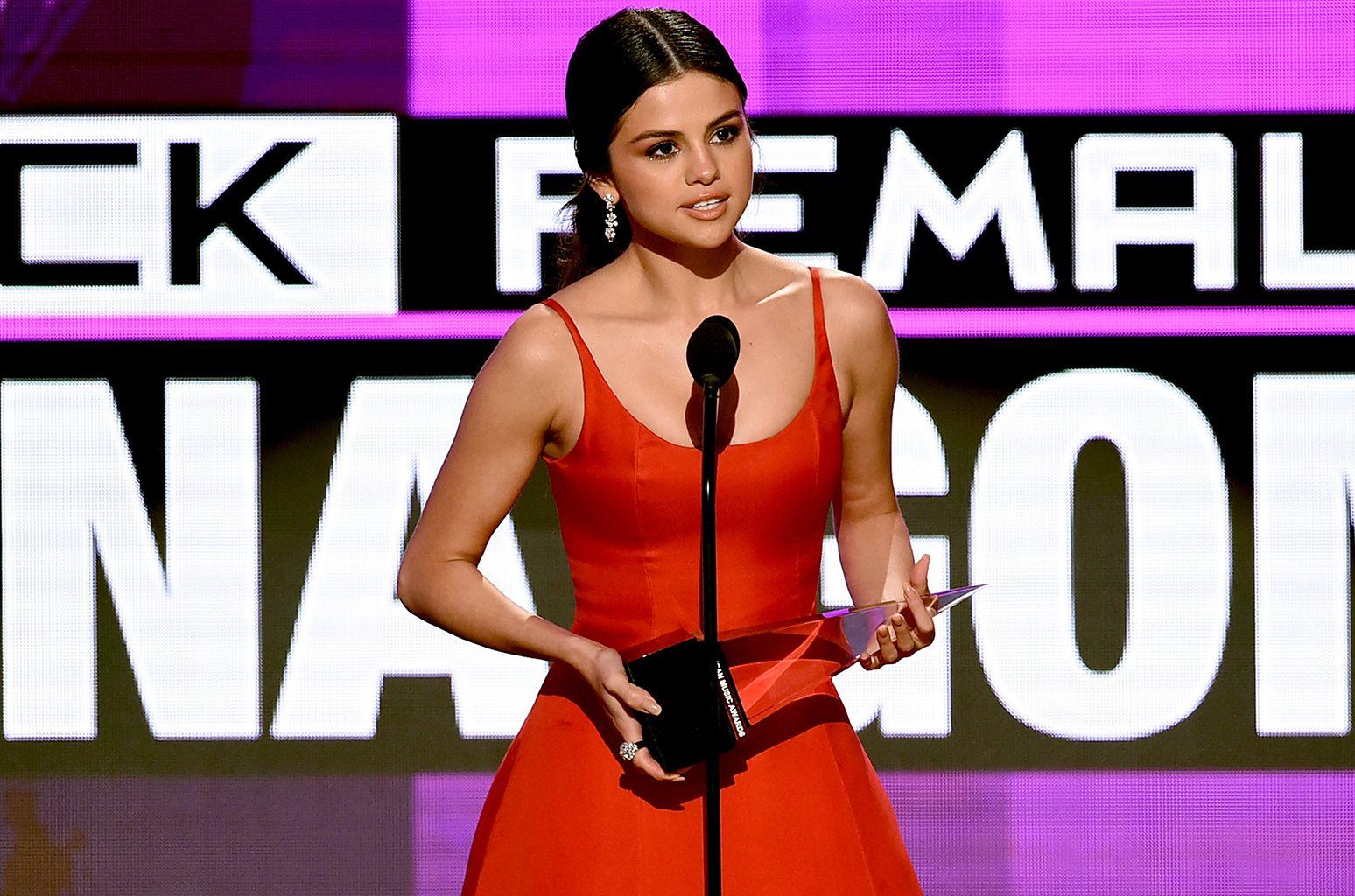 El sorprendente cambio de look de Selena Gómez