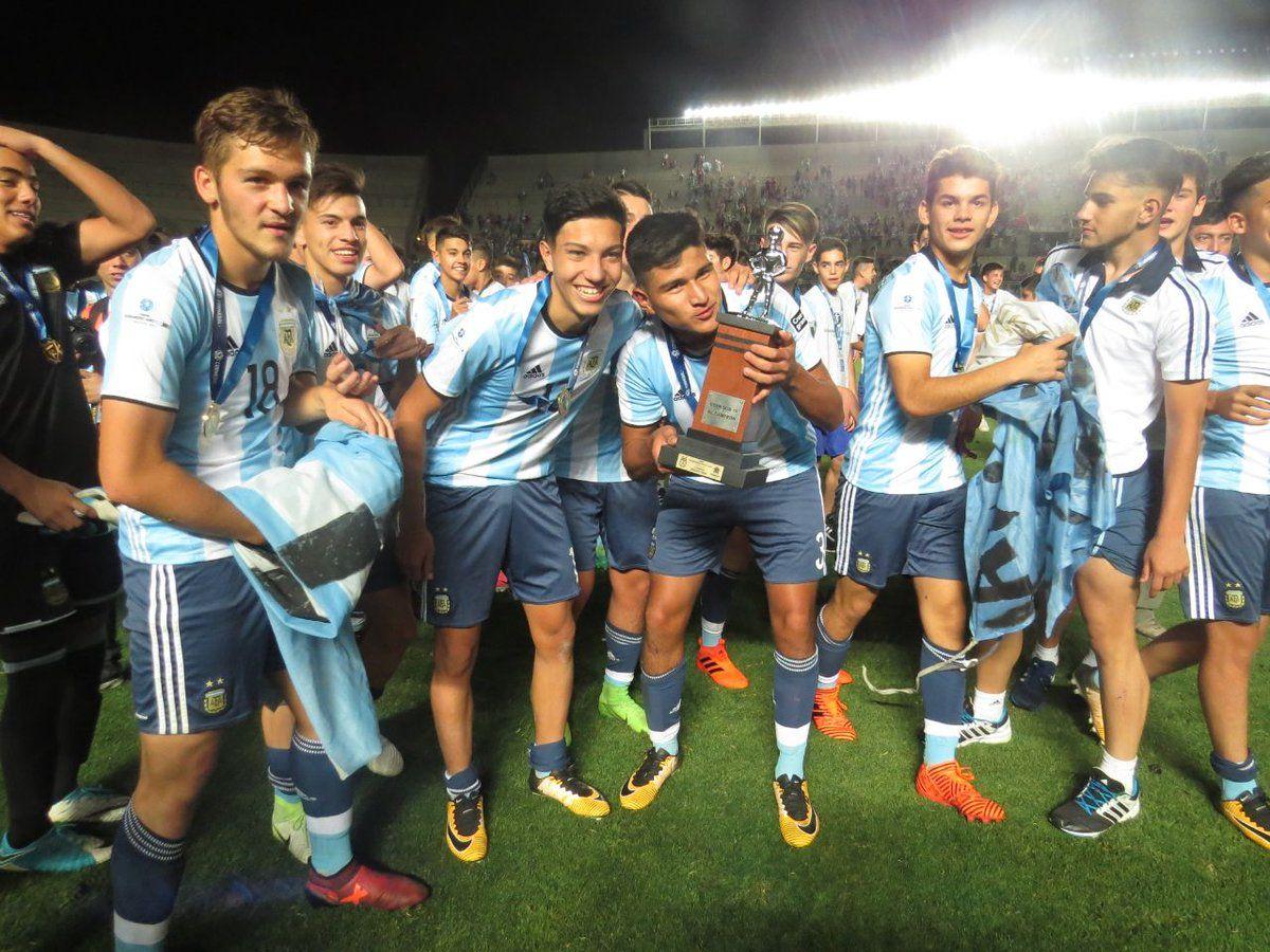 Argentina Sub 15 derrotó a Brasil 3 a 2 y se quedó con el Sudamericano