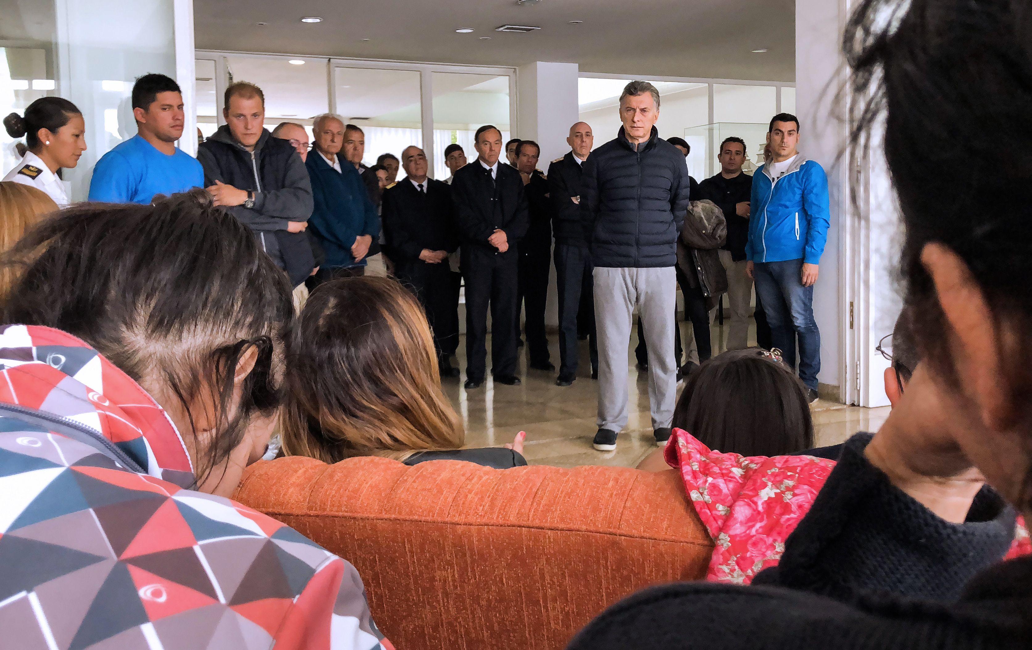 Macri visitó a los familiares de los tripulantes del submarino desaparecido