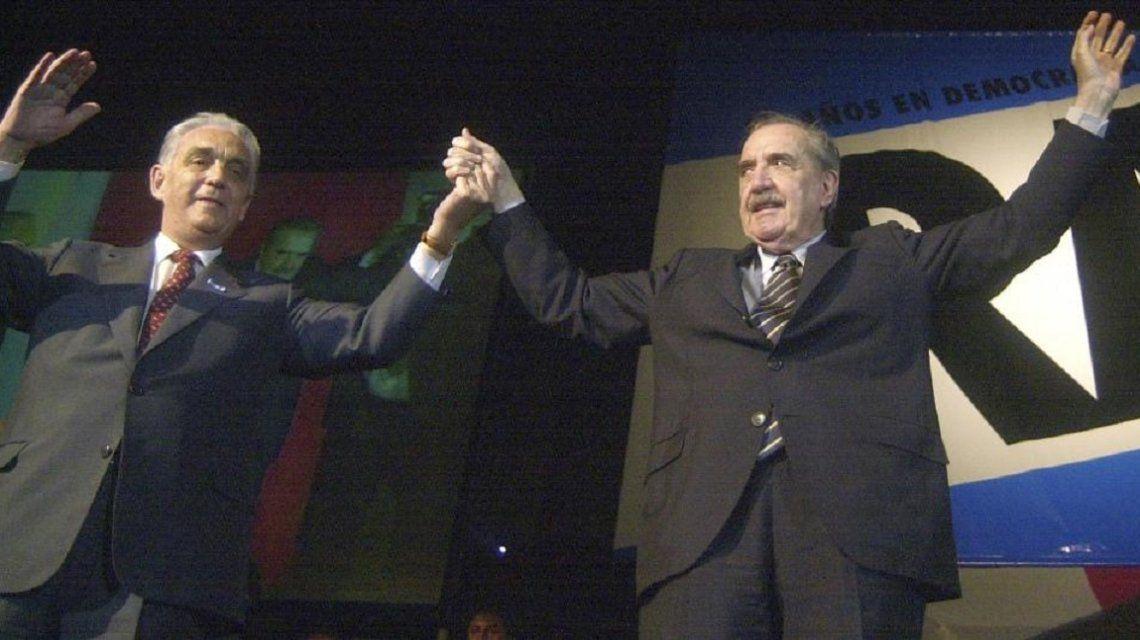 Víctor Martínez con Raúl Alfonsín