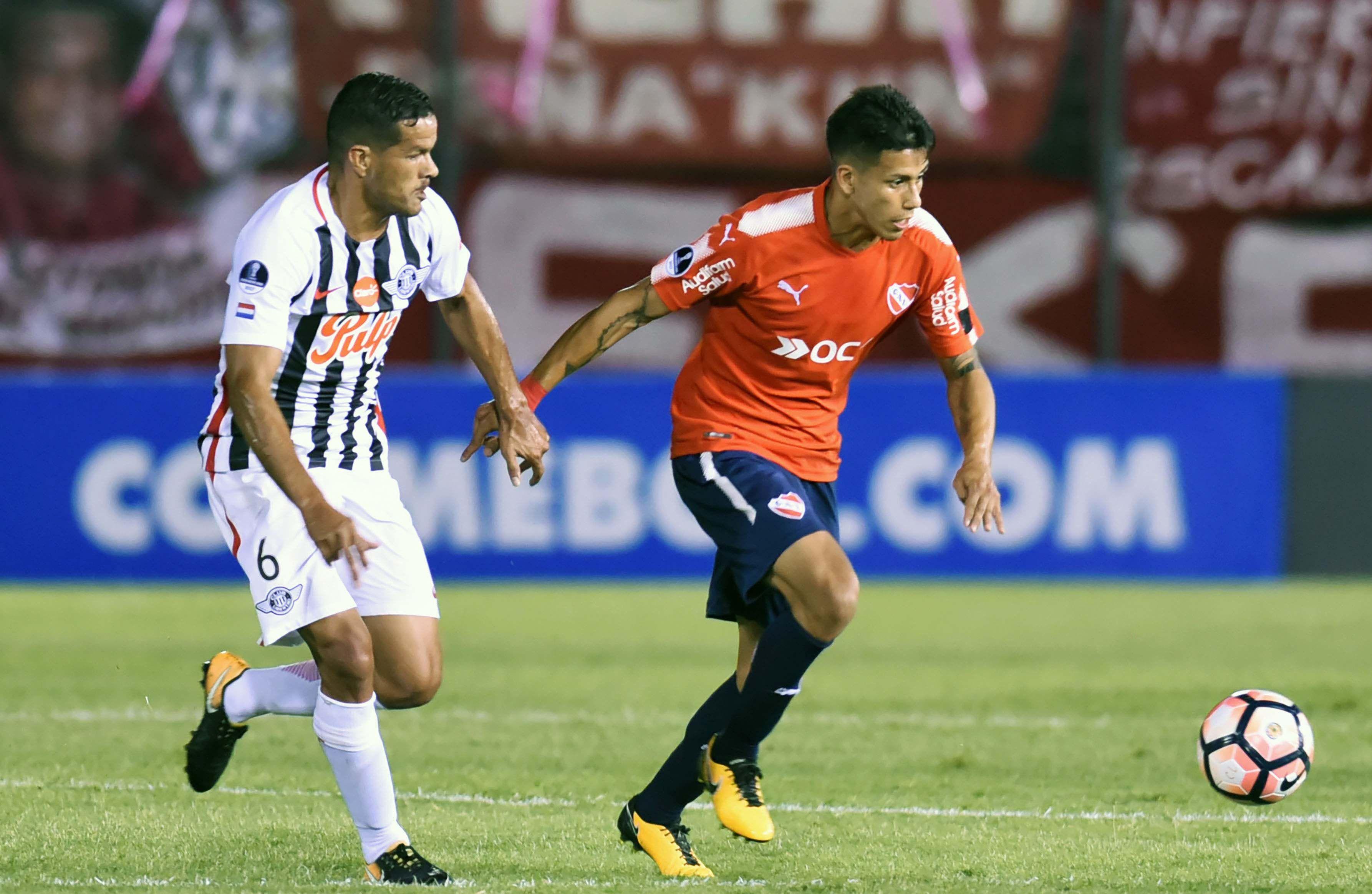 Libertad vence en la ida de la semifinal de la Sudamericana a Independiente por la mínima