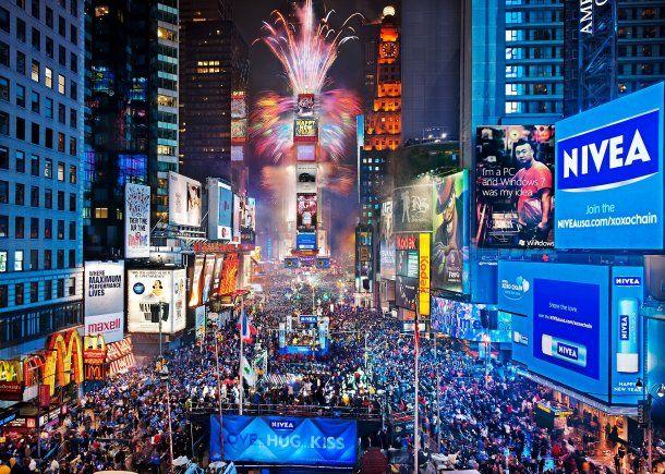 Times Square con su bola de cristal que cae en Año Nuevo son un imperdible<br>